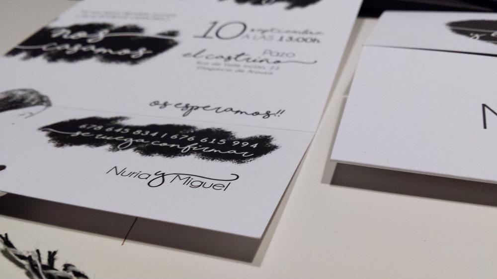 invitación de boda original con caja y pegatina